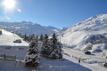 Location au ski Studio 3 personnes (306) - Residence Les Burons - Les Menuires - Extérieur hiver