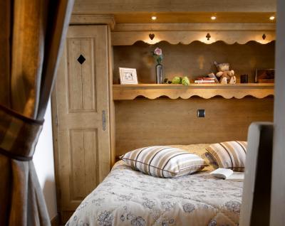 Rent in ski resort Résidence les Clarines - Les Menuires - Bedroom