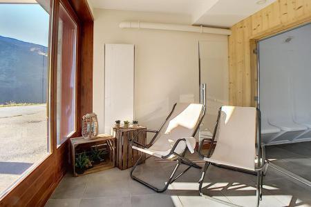 Location au ski Residence Les Cristaux - Les Menuires - Extérieur hiver