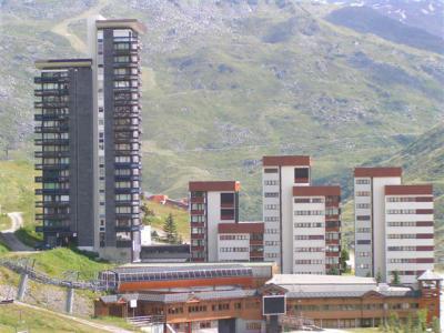 Location au ski Résidence les Dorons - Les Menuires - Extérieur hiver