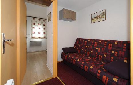 Location au ski Studio cabine 4 personnes (110) - Residence Les Gentianes - Les Menuires - Kitchenette