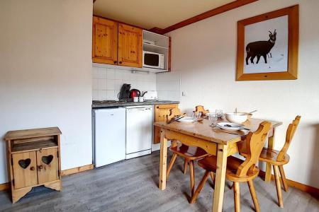 Rent in ski resort 2 room apartment 4 people (13) - Résidence les Valmonts B - Les Menuires - Kitchenette