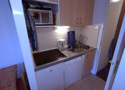Location au ski Studio cabine 4 personnes (101) - Residence Median - Les Menuires - Kitchenette