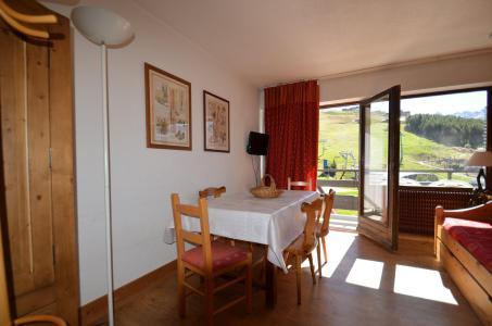 Location au ski Appartement 2 pièces 5 personnes (43) - Résidence Oisans - Les Menuires - Table