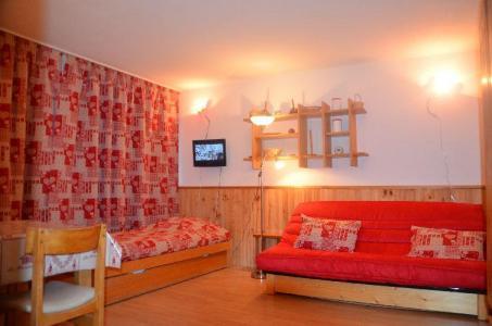 Location au ski Studio 4 personnes (32) - Residence Oisans - Les Menuires - Canapé