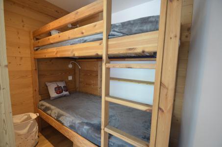 Location au ski Studio cabine 4 personnes (22) - Résidence Oisans - Les Menuires - Chambre