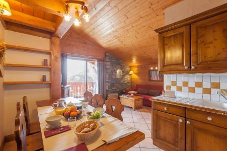Location au ski Residence P&v Premium Les Alpages De Reberty - Les Menuires - Table