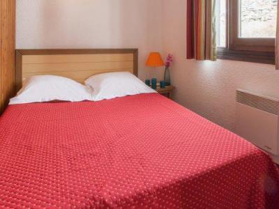 Rent in ski resort Résidence Pierre & Vacances les Combes - Les Menuires - Bedroom