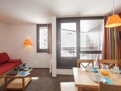 Rent in ski resort Résidence Pierre & Vacances les Combes - Les Menuires - Living room