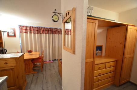 Location au ski Studio cabine 4 personnes (509) - Résidence Sarvan - Les Menuires
