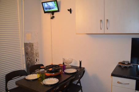 Location au ski Studio 2 personnes (301) - Residence Sarvan - Les Menuires - Coin repas