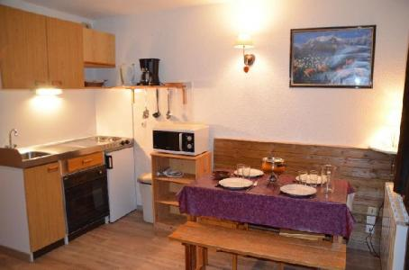 Location au ski Studio coin montagne 3 personnes (402) - Residence Sarvan - Les Menuires - Cuisine
