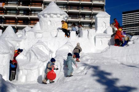 Vacances en montagne Résidence Soleil Vacances les Menuires - Les Menuires - Extérieur hiver