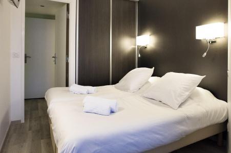 Rent in ski resort Résidence Soleil Vacances les Menuires - Les Menuires - Bedroom