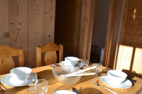 Location au ski Studio coin montagne 4 personnes (214) - Résidence Tougnette - Les Menuires - Séjour