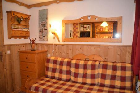 Location au ski Studio 2 personnes (835) - Résidence Trois Marches - Les Menuires - Appartement
