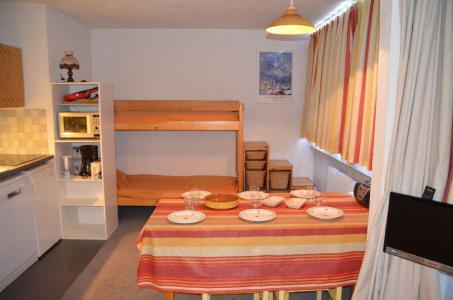 Location au ski Studio 4 personnes (13) - Residence Vanoise - Les Menuires - Tv