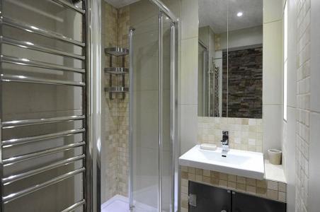 Location au ski Studio cabine 4 personnes (305) - Residence Villaret - Les Menuires - Salle de bains