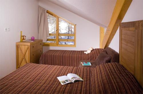 Location au ski Residence Le Balcon Des Airelles - Les Orres - Chambre mansardée