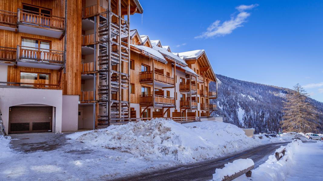 Location au ski L'Ecrin des Orres - Les Orres - Extérieur hiver