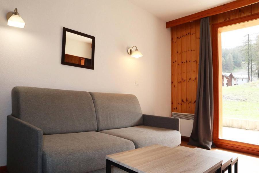 Аренда на лыжном курорте Апартаменты 2 комнат 4 чел. (1017) - Résidence la Combe d'Or - Les Orres - Диван-кровать