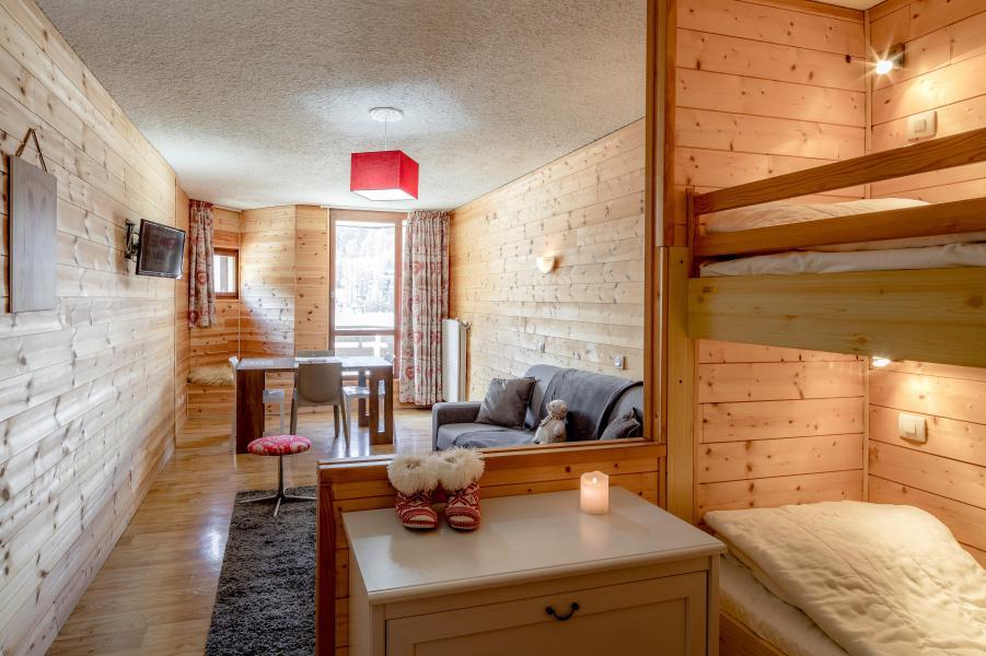 Location au ski Résidence le 1650 - Les Orres - Séjour