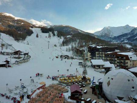 Location au ski Studio 2 personnes (071) - Résidence le Boussolenc - Les Orres - Extérieur hiver
