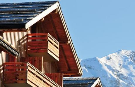 Location au ski Les Terrasses Du Soleil D'or - Les Orres - Extérieur hiver