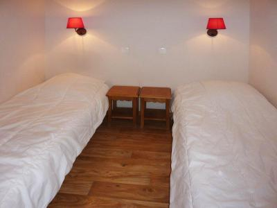 Rent in ski resort 2 room apartment 6 people (812) - Résidence les Eglantines - Les Orres - Bedroom