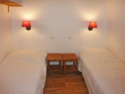 Rent in ski resort 2 room apartment 6 people (813) - Résidence les Eglantines - Les Orres - Small bedroom
