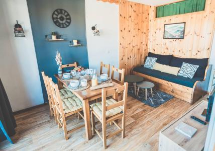 Rent in ski resort 2 room apartment sleeping corner 6 people (811) - Résidence les Eglantines - Les Orres - Table