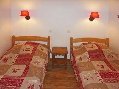 Rent in ski resort 2 room apartment sleeping corner 6 people (814) - Résidence les Eglantines - Les Orres - Bedroom