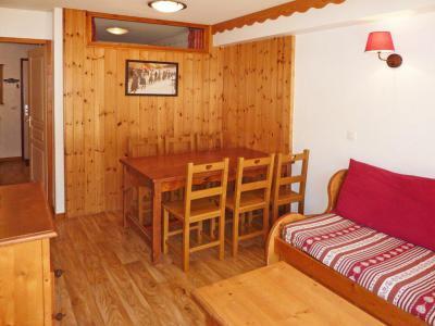 Rent in ski resort 2 room apartment sleeping corner 6 people (814) - Résidence les Eglantines - Les Orres - Table