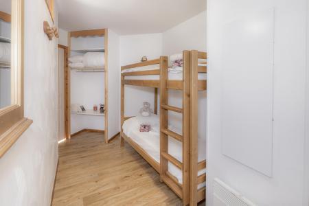 Rent in ski resort Résidence les Hauts de Préclaux - Les Orres - Bunk beds