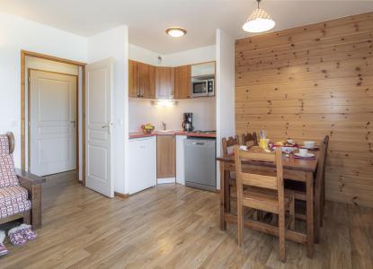 Rent in ski resort Résidence les Hauts de Préclaux - Les Orres - Kitchenette