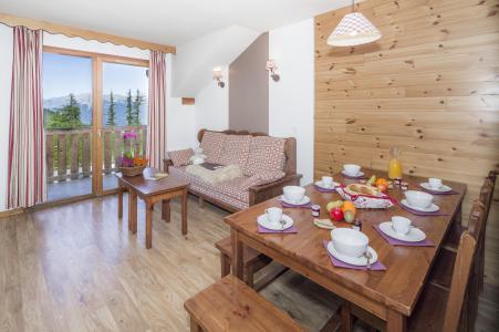 Rent in ski resort Résidence les Hauts de Préclaux - Les Orres - Table