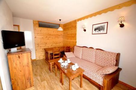Rent in ski resort Residences La Foret D'or - Les Orres - Living area