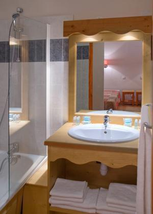 Rent in ski resort Residences La Foret D'or - Les Orres - Bathroom