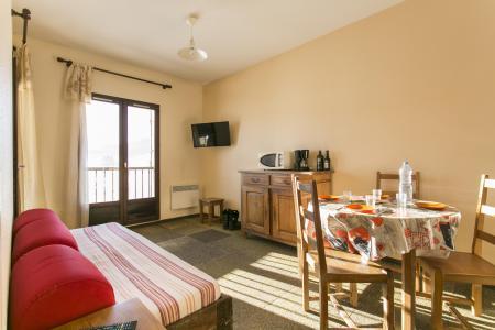 Rent in ski resort Résidence les Clarines - Les Rousses - Living room