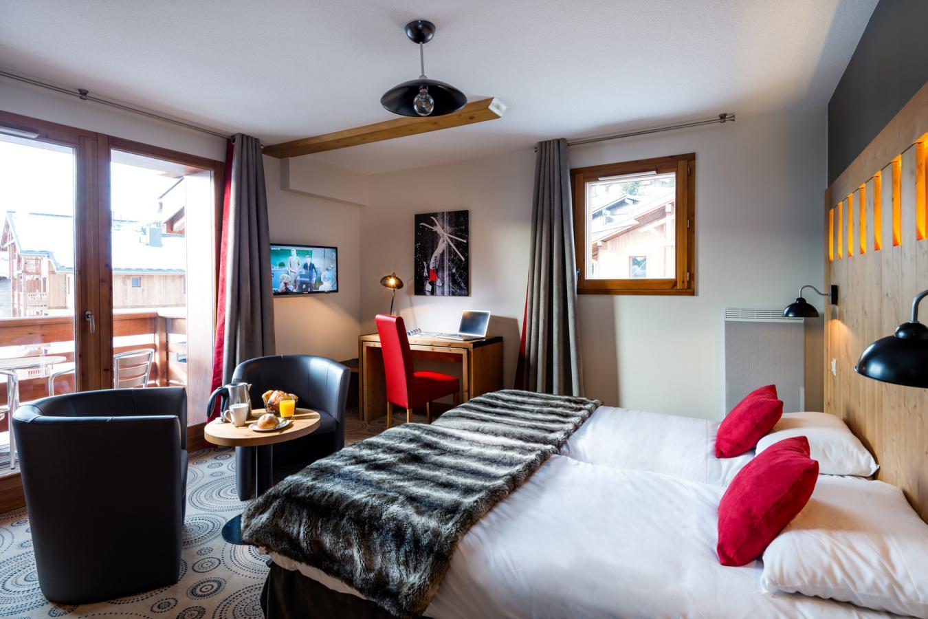 residence lagrange les chalets d emeraude les saisies location vacances ski les saisies ski