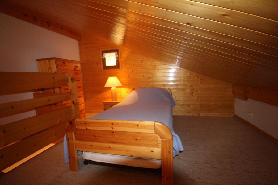 Alquiler al esquí Apartamento 2 piezas mezzanine para 6 personas (215) - Chalet Cristal 2 - Les Saisies - Cama individual