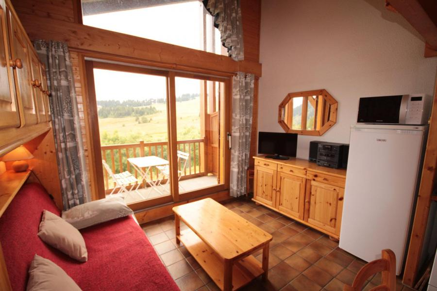 Alquiler al esquí Apartamento 2 piezas mezzanine para 6 personas (215) - Chalet Cristal 2 - Les Saisies - Mesa baja