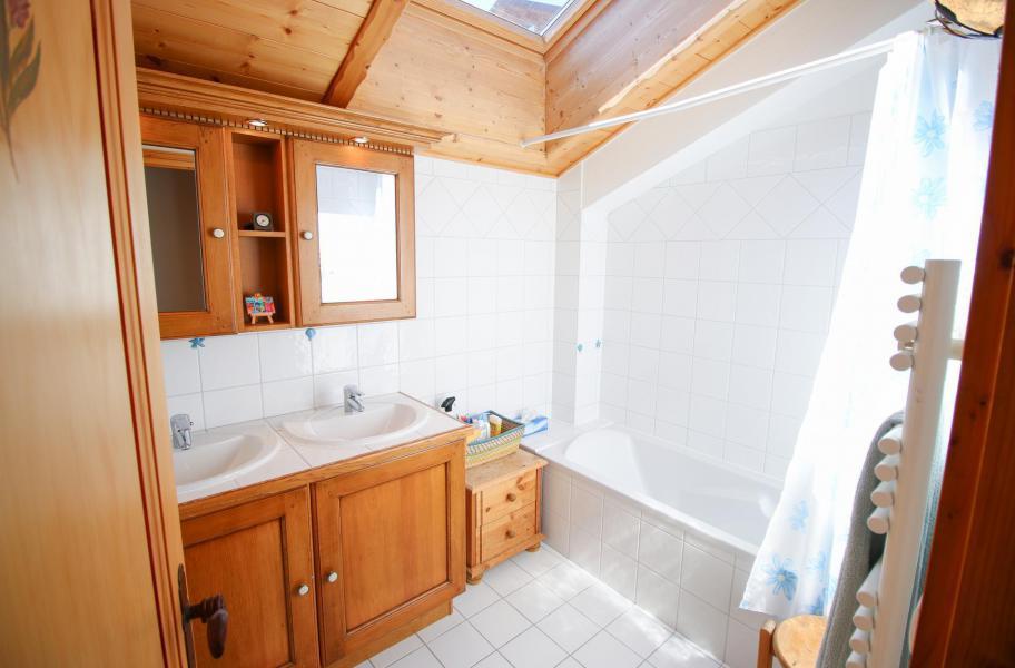 Location au ski Chalet 5 pièces 10 personnes - Chalet l'Eglantine - Les Saisies - Salle de bains