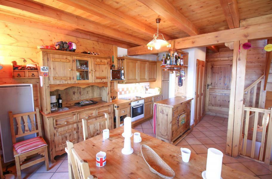 Location au ski Chalet 5 pièces 10 personnes - Chalet l'Eglantine - Les Saisies - Table
