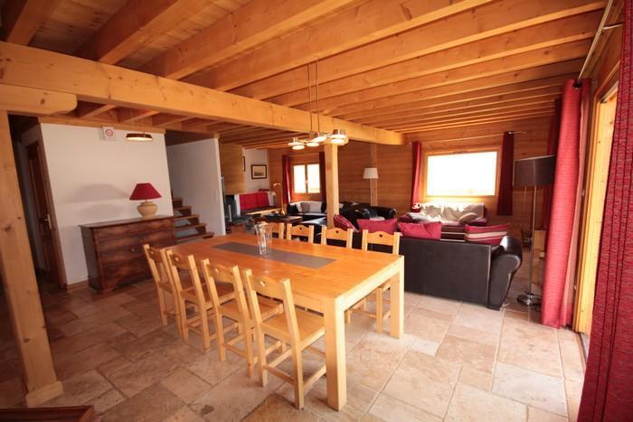Location au ski Chalet Pierres du Chozal - Les Saisies - Table