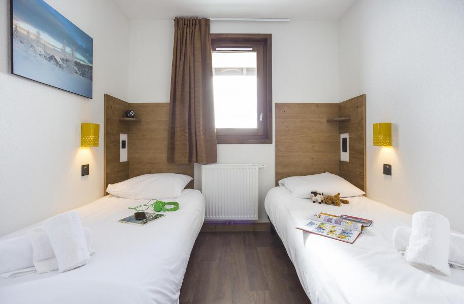 Rent in ski resort Résidence Club MMV Les Chalets des Cîmes - Les Saisies - Bedroom