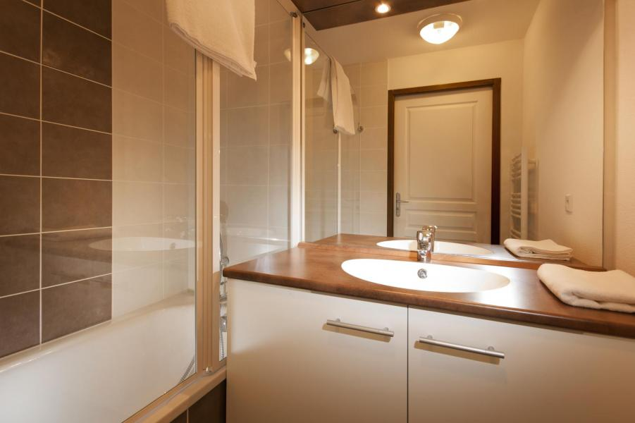 Rent in ski resort Résidence Lagrange les Chalets du Mont Blanc - Les Saisies - Bathroom