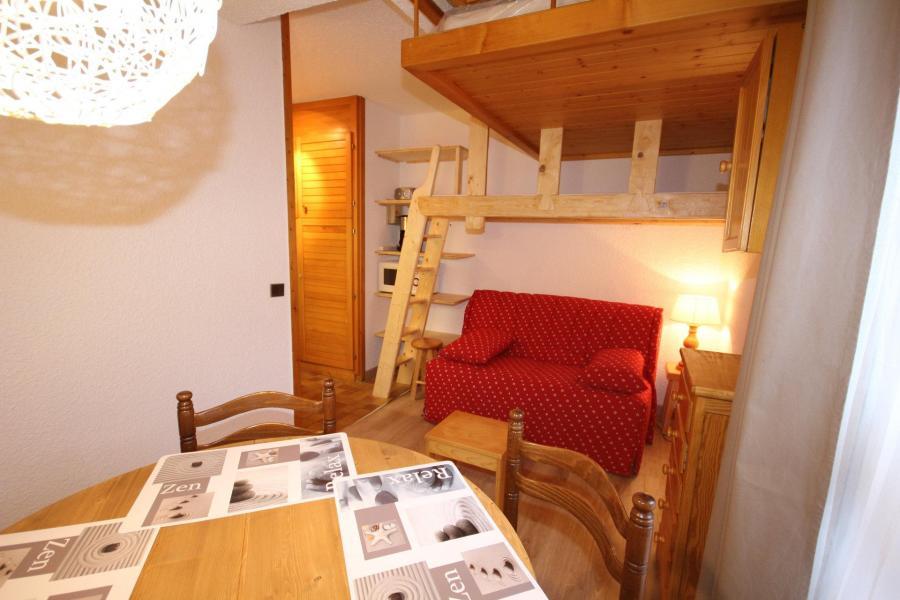 Location au ski Studio 2 personnes (223) - Résidence Mont Blanc B - Les Saisies