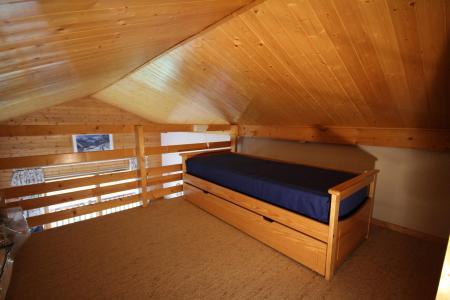 Rent in ski resort 2 room mezzanine apartment 6 people (116) - Chalet Cristal 1 - Les Saisies - Single bed