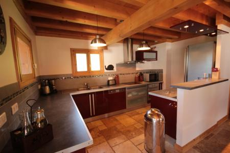 Rent in ski resort Chalet Pierres du Chozal - Les Saisies - Kitchen
